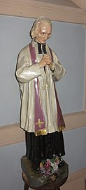 Lucenay - Statue Jean-Marie Vianney église (sept 2018).jpg