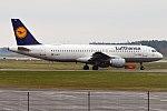 Lufthansa, D-AIPZ, Airbus A320-211 (26920311937).jpg