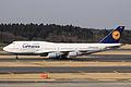 Lufthansa B747-400(D-ABVN) (4445663282).jpg