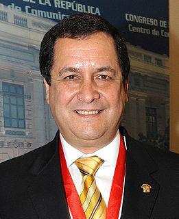Luis Iberico (politician)