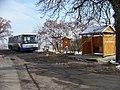 Málkov (BE), neoznačená zastávka u silnice.jpg