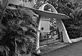 Maison moderniste, Villa Monplaisir 2ème porche d'entrée. Martinique, Fort-de-France, quartier Bellevue. Classé Monument historique. Architecte Louis Caillat, 1932-.jpg