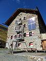 Martin-Busch-Hütte Talseite.jpg