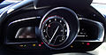 Mazda2 Typ DJ 1.5 SKYACTIV-G 115 i-ELOOP Sports-Line Cockpit Kombiinstrument Tacho Drehzahlmesser.jpg