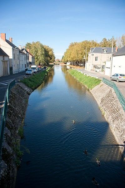 Mehun-sur-Yèvre - canal