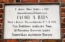 Memorial to Jacob A Riis in Ribe.jpg