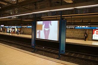 Provença–Diagonal station - Image: Metrodiagonall 5