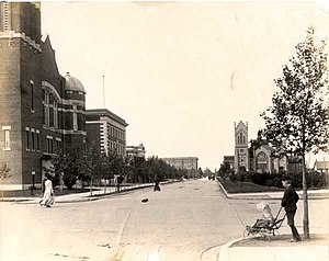 "Knox-Metropolitan United Church (Regina, Saskatchewan) - Metropolitan Methodist and Knox Presbyterian on Lorne Street, both facing Victoria Park, Regina 1911 before their destruction by the ""Regina Cyclone"" in 1912."