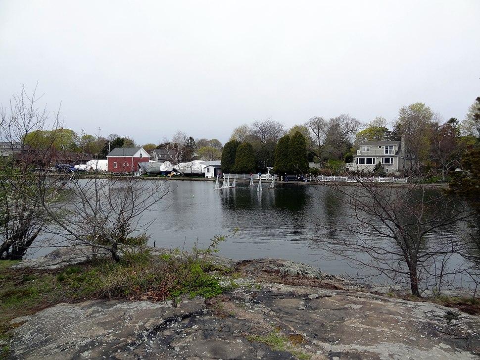 Model Yacht Racing on Redd's Pond