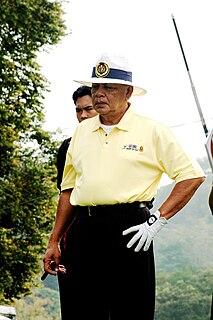 Mohd Khalil Yaakob Malaysian politician