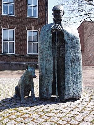 Montfort, Netherlands - Image: Montfort (Roerdalen) sculpture de Sjiëper, by Henk Sillen, 1989