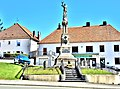 Monument aux morts, d'Orchamps-Vennes.jpg