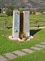 Monumento ai caduti dell'alluvione del 2000 2.JPG