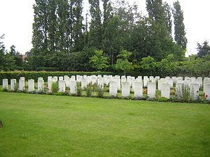 Wevelgem - Image: Moorsele Military Cemetery 1