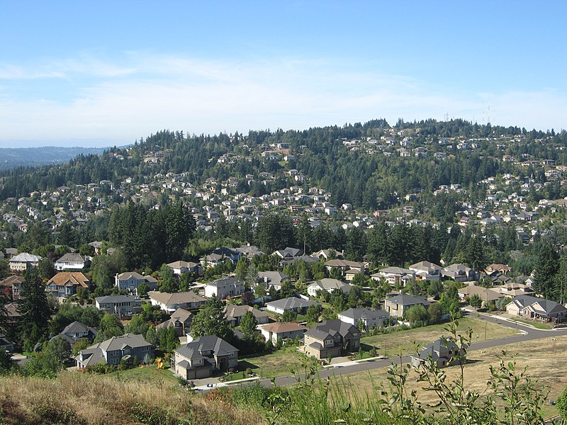 File:Mount Scott and Happy Valley.jpg
