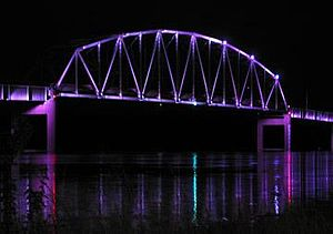 Norbert F. Beckey Bridge - Image: Muscatine ia bridge
