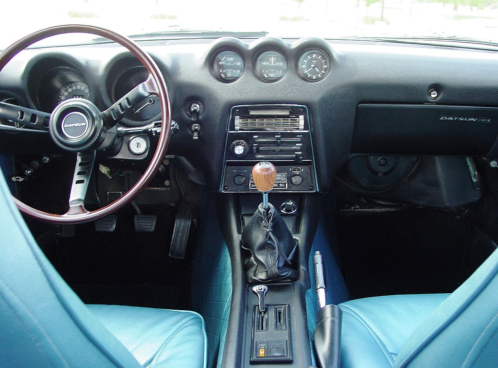 file my restored 39 71 datsun 240z with rare blue interior interior view jpg wikimedia commons. Black Bedroom Furniture Sets. Home Design Ideas