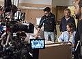 Nacho Ruipérez durante el rodaje de la película 'El Desentierro' junto a su equipo.jpg