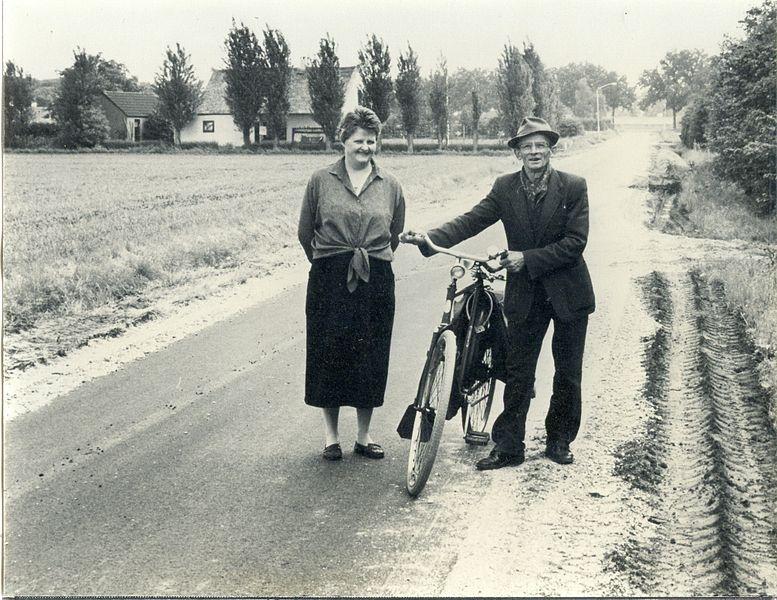 Bestand:Nastreek Truus Swinkels en Thijske van den Berg -024.jpg