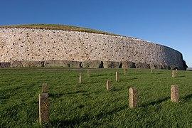 Newgrange burial chamber.jpg