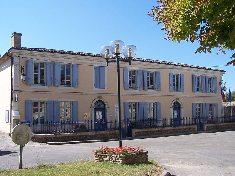 Town hall of Noaillan (Gironde, France)