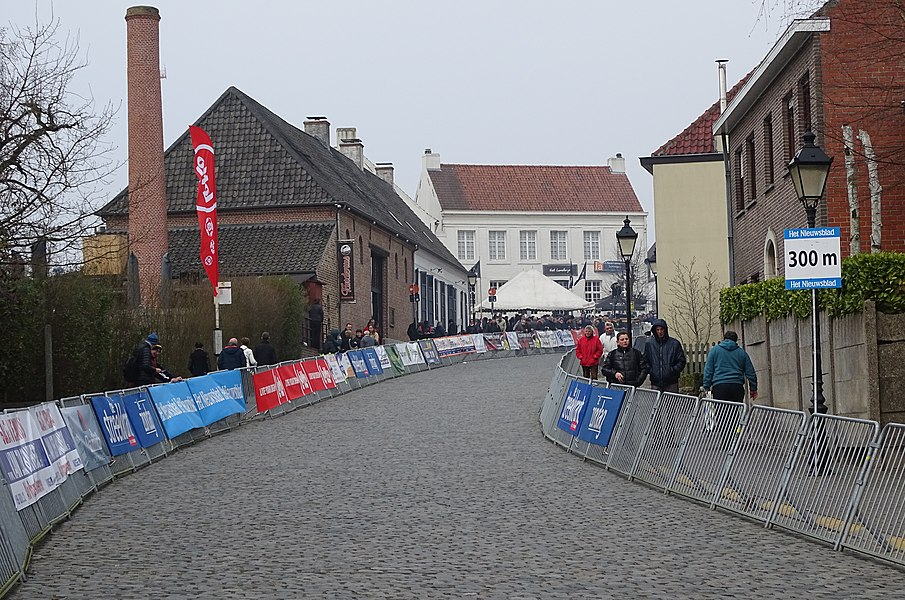 Reportage réalisé le mercredi 18 mars à l'occasion de l'arrivée de la Nokere Koerse 2015 à Nokere (Kruishoutem), Belgique.