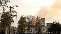Notre-Dame de Paris, Incendie 15 avril 2019 20h14.08.jpg