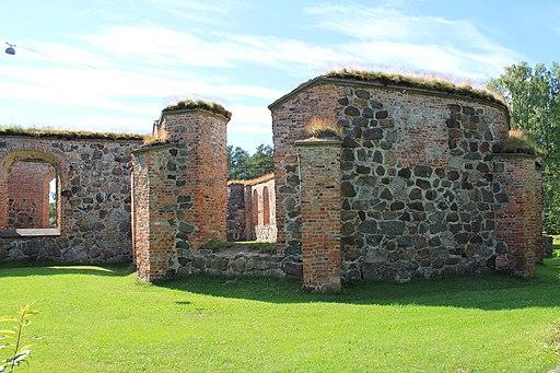 Old Vasa church ruins 07