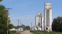 Grain elevators in Ong