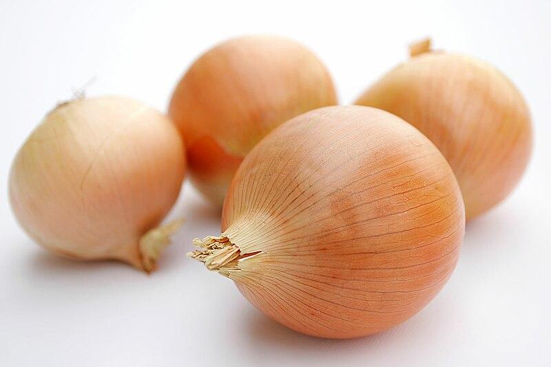 800px-Onions.jpg