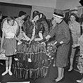 Opening bazar door mevrouw E van Hall-Nijholt ten behoeve van de kankerbestrijd, Bestanddeelnr 912-3097.jpg