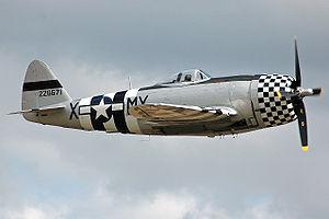 P-47D-40 Thunderbolt 44-95471 side.jpg