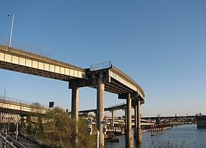 Unused highway - Image: PDX US 30 Ghost Ramp