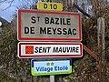 Panneau de l'entrée du village bilingue.jpg