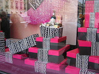 Fauchon - The Paris location of Fauchon dressed up for Christmas, 2004