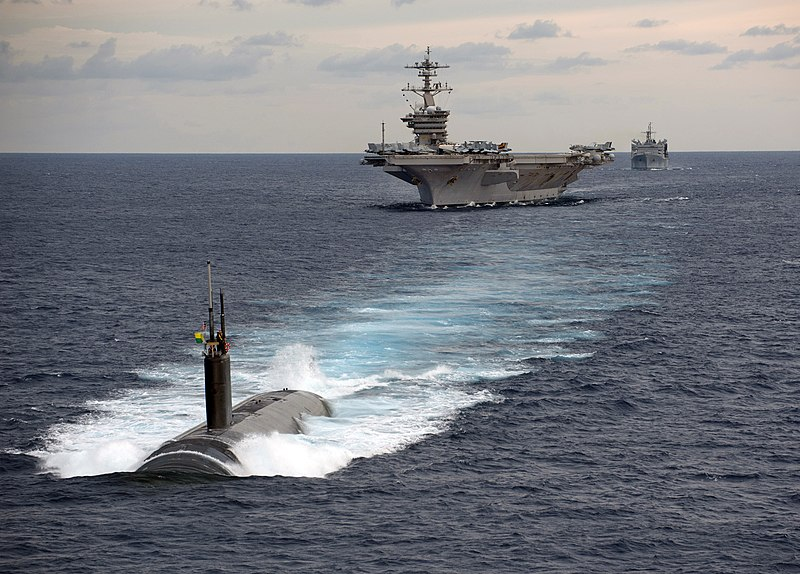 படிமம்:Passing exercise with USS Carl Vinson and U.S and Indian navy ships.jpg
