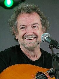 Patrick Street Andy Irvine smile.jpg