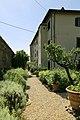 Pescia, villa la guardatoia, giardini, aiuole all'italiana 02.jpg