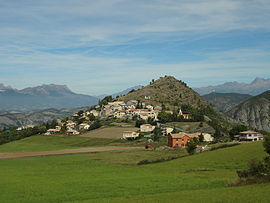 The village of Piégut and the Colline de Saint-Colomban