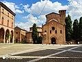 Piazza St Stefano Bologna.jpg