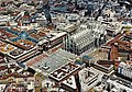 Piazza del Duomo (Milan) from above.jpg