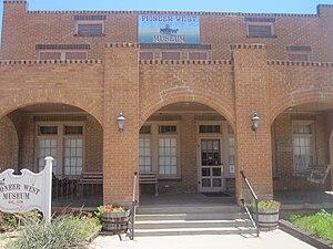Pioneer West Museum - The Pioneer West Museum is housed in the former Reynolds Hotel in Shamrock, Texas.