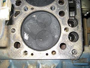 Indirect injection - Image: Piston of a small Kubota engine