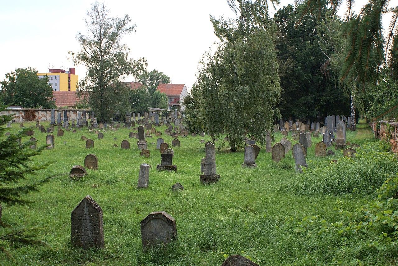 Pohořelice cemetery 02.JPG