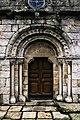 Portal oeste da igrexa de Santo Estevo de Culleredo.jpg