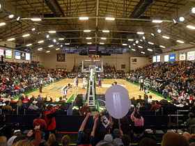 Les Red Claws du Maine contre les Wizards du Dakota en janvier 2011 au Portland Exposition Building.