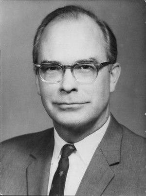 Gardner Ackley - Image: Portrait de Gardner Ackley
