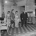 Premier Ikeda van Japan op Soestdijk, v.l.n.r. mejuffrouw Ikeda, mevrouw Miyazak, Bestanddeelnr 914-5320.jpg