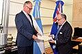 Presentación de copia de Cartas Credenciales - Australia D. Brett Hackett.jpg