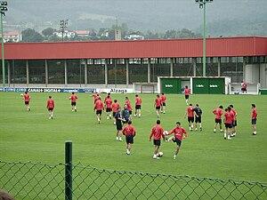 Español: La primera plantilla del Athletic ent...